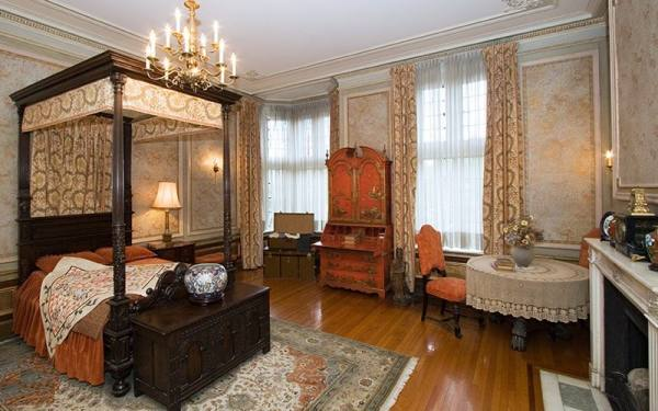 قصر کازا لوما | قصر تاریخی تورنتو