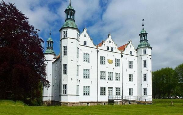 منطقه Schloss Ahrensburg