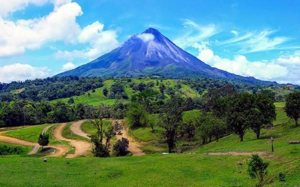 کوه های آتشفشانی فعال
