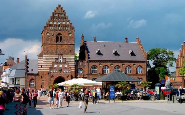 تالار شهر راسکیله | Roskilde Town Hall