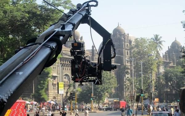 دلایل سفر به بمبئی