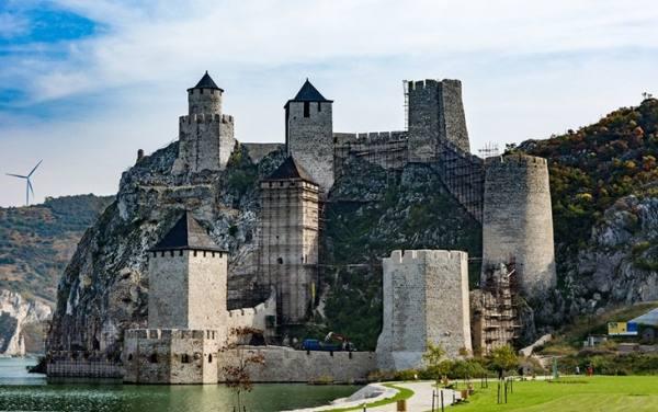 قلعه گلوباک | Golubac Fortress