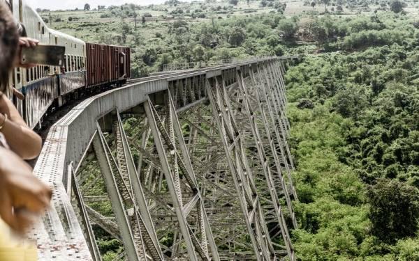 پل قطار گوتیک