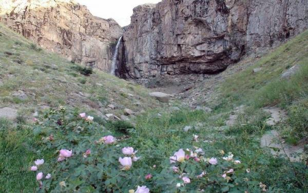 سفر به آبشار خور