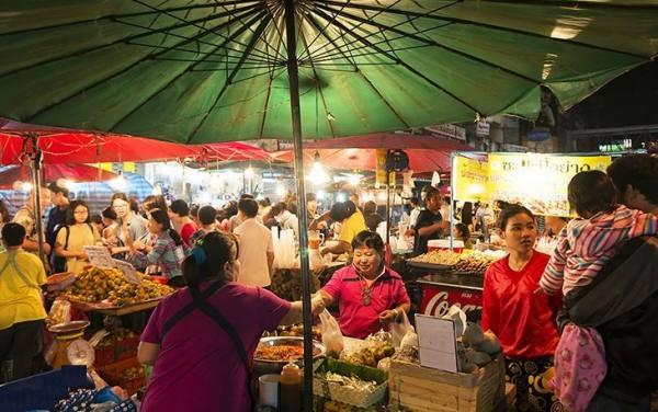 بازار واروروت | Warorot market
